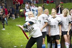Brännboll är en av aktiviteterna under veckans sommarprojekt
