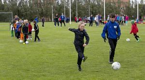 385 barn och unga deltar på årets läger, vilket är rekordmånga.