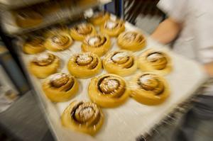 Bageriet använder vetesurdeg till kanelbullarna.
