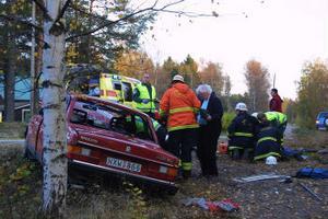 Olyckan inträffade strax norr om den före detta järnvägsstationen i Edsäter.