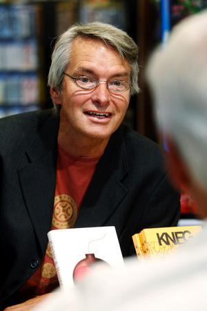 Åke Johansson, författare och tågmästare i Sundsvall, berättade om sina böcker.