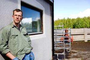 """""""I framtiden hoppas vi kunna koppla biogasen till en motor som generar el, som vi kan sälja till elnätet"""", säger Mats Gustafsson.Foto: Ulrika Andersson"""
