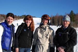 Nöjda. Utfallet av utförsåkningssatsningen var lyckat menar de ansvariga. På bilden från vänster Margareta Appell och Catharina Jonsson från Dalarnas idrottsförbund samt Torbjörn Nordin och Philip Hagberg från Right Bay Locals.