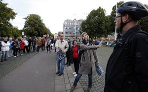 Planarkitekten Viveka Sohlén redogjorde för planerna för Slottstorget. Om biltrafiken stängs av framför biblioteket kan här  skapas ett nytt kulturtorg.