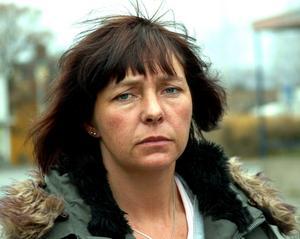 År 2005 hoppade Monica Eriksson av från HOB och blev politisk vilde i kommunfullmäktige. Nu lämnar Eriksson S och blir politisk vilde.