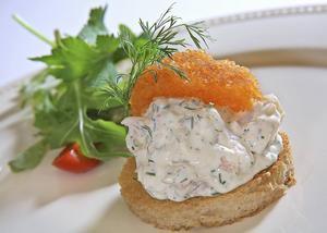 Toast Skagen sägs vara Sveriges vanligaste förrätt på restaurang.   Foto: Dan Strandqvist