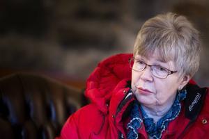 Karin Nakken känner sig illa behandlad av polisen och länsstyrelsen.– De vill inte ens prata med mig, säger hon.