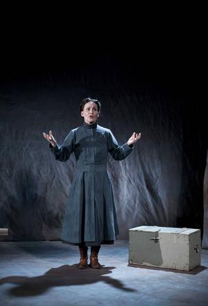 Cecilia Persson ger sista föreställningen av Elsa Laula i länet i Lillhärdal på lördag.