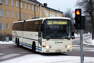 Länstrafiken vill inte rikta någon kritik mot Busslink som kör linje 201 mellan Härnösand och Sundsvall.