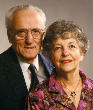 Iris och Folke Pettersson, fotograferade inför guldbröllopsdagen 1991. Redan som fjortonåring visste Folke att