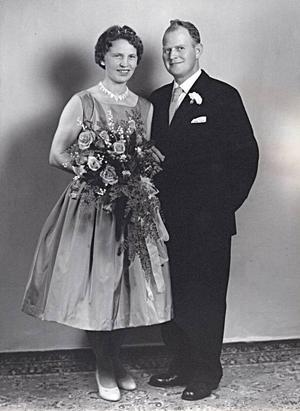 Karin och Olle Hillgren, Valbo, firar 50-årig  bröllopsdag  i dag. De vigdes  i Valbo prästgård  12 september 1959.