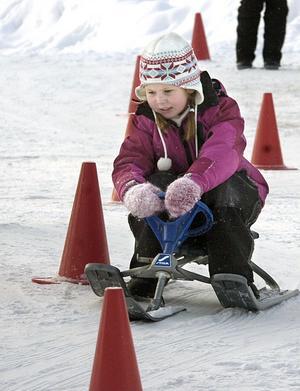 Beata heter den här tjejen som elegant svängde sig fram mellan konerna under snowboardsracet.