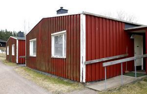 Hyresgästföreningen har gjort bedömningen att danskägda K/S Sweden Real Estate Portfolios fastigheter i Österfärnebo och Gysinge är i så dåligt skick att tvångsförvaltning är ett måste.