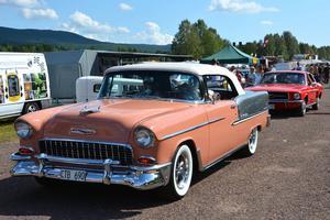 Nej men se där: en smakfull Chevrolet Belair från 1955.