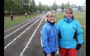 Prästskogsvallen har fördelar framför Hedslund menar idrottslärare Susanne Haga Furn och Monica Eriksson.