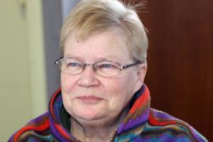 Leena Persson från Jättendal ger inte upp sina mogendanser. Nu flyttas de till Gnarp