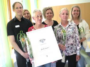 En grupp medarbetare vid Bomhus hemtjänst fick ta emot Diamantpriset vid en ceremoni på torsdagen,