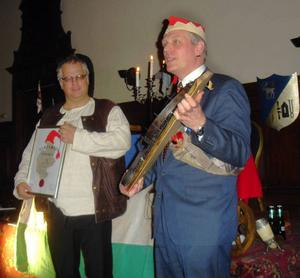 Lennart Nyman delade ut Jamtamots hederspris 2010 till Per Bergvall, Böle, Hammarstrand.                                                                                                           Foto: Karl-Arne Haglund