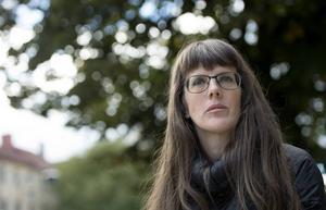 Sara Olausson, serietecknare och illustratör, aktuell med boken