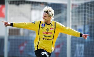 Även i fjol spelade Forward hemmapremiär mot Sandviken på Behrn arena. Då blev det seger med 2–1 efter mål av bland andra Erik Björndahl.