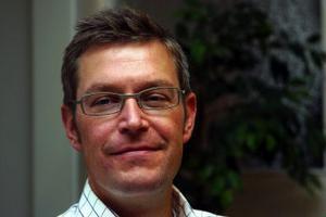 Erik Lövgren ordförande i humanistiska nämnden beklagar att det inte blev något av projektet med arbetsrotation bland lärarna.