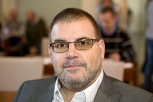 Jonny Lundin, gruppledare och distriktsordförande för Centerpartiet i Västernorrland, meddelar att partiet säger ja till en folkomröstning om att öppna BB i Sollefteå igen.