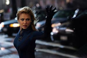Sue Storm (Jessica Alba) alias Invisible Woman kan bli osynlig och skapa kraftfält.