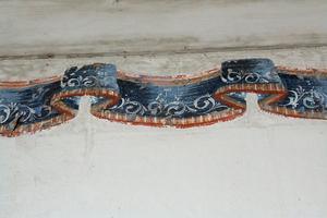 Bården längst upp mot taket har behållits, men väggarna målades vita när herrstugan restaurerades för flera år sedan.