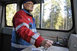 Lokförare. Sven-Erik Karlsson sköter spakarna i loket.