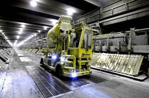 Osäkerhet på Kubal. Sjunkande världsmarknadspris på aluminium gör att ägaren, Oleg Deripaska, ser över vilka åtgärder den ryska aluminiumjätten Rusal ska vidta för att möta kostnadsutvecklingen. Enligt nyhetsbyrån Reuters görs en översyn görs av bland annat verksamheten på Kubal. Vad det betyder för jobben är ännu så länge oklart.