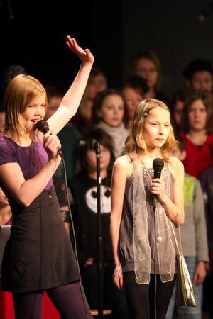 Norra Skolans femmor hade Showtime på Folkets Hus