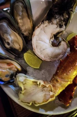 Maten är en viktig ingrediens i semesterlivet även på Maldiverna.