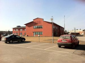 Försäkringskassan fortsätter hyra hela huset vid Järnvägsgatan.