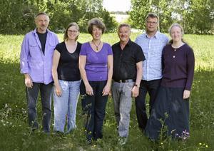 Gruppen Vallarefolk, från vänster Lars Halvarsson, Ann-Sofi Nilsson, Maria Röjås, Åke Edvinsson, Peder Holmqvist och Anna Fredriksson.