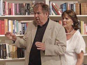 Michael Segerström och Anki Lidén som det bedragande paret.