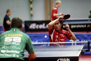 Anthony Tran vann mot Magnus Månsson, men föll mot Hampus Söderlund.