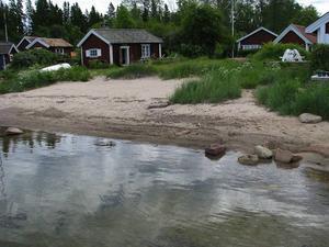 Fint läge. Den här lilla fiskarstugan på Lövgrund ligger precis vid vattnet. Den ägs av Gävle kommun och går att hyra från tidig vår till sen höst.
