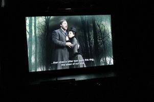 Live från New York. Matinéföreställning av Lucia di Lammermoor på Metropolitan kunde i går kväll ses i direktsändning på Folkets Hus i Gävle.