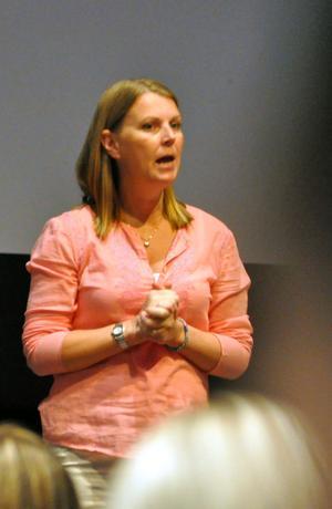 Beteendevetaren Petra Krantz Lindgren gav en rad tips och råd till publiken.