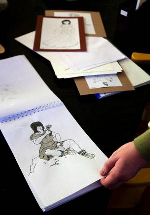 En framtid som serietecknare är Henriks dröm. Han tränar flitigt för att nå dit.