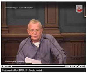 Lars G Lindahl (M) anklagas av Sven-Erik Lindestam (S) för ett sexistiskt uttalande under måndagens fullmäktigesammanträde.