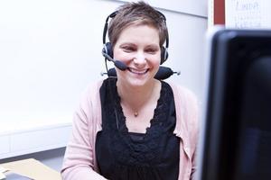 Karin Olsson är sjuksköterska och ansvar för Ljusdalsföretaget ICT:s telefonstöd till psoriasispatienter.