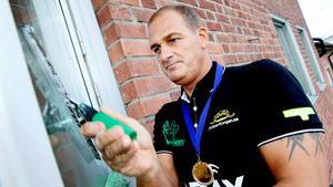 Guldmedaljör. Ivan Pleinadius tog hem guldmedaljen i fönsterputsning. Tre fönster på tio sekunder.