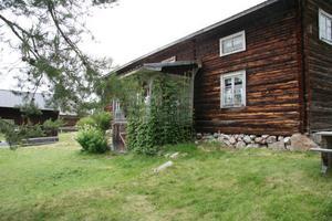 Mittjasvallen ingår i Norsbo fäbodar, sammanlagt nio fäbodar. Vallen är från 1500-talet. Fäboddriften på Mittjasvallen upphörde 1945.