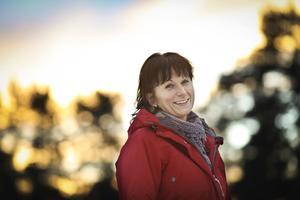 – Egentligen är det så enkelt, vi behöver sömn, motion, bra mat och återhämtning. Och om vi lär oss att sortera i vad vi mår bra av och vad jag själv kan påverka blir vi mer medvetna och stressen blir mindre, säger Carina Olofsson som är nyutbildad avspänning och stresspedagog.