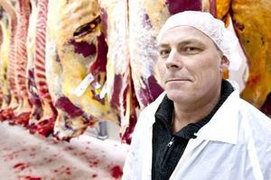 Thomas Berglund Sundqvist konstaterar att antalet slaktade djur hela tiden har ökat och tror att minus blir plus under 2014.