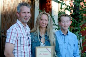 Årets Företagare Tin Gumuns med sambon Roger och sonen Albin.