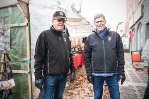 Mats Hogby och Jan Lindqvist från Avesta Lions var på plats på marknadet.