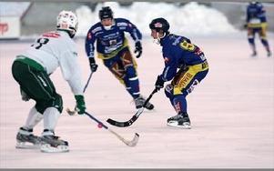 TREMÅLSSKYTT. Andreas Lysell hade en fin dag med sina tre mål, men vad hjälpte det när Haparanda-Tornio gjorde fem.
