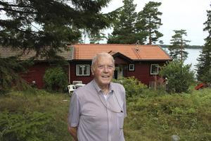 Bertil Backmans främsta fritidsintresse har varit att jobba med sina fritidshus på Yxlö.